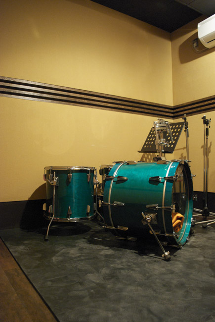 ドラムブース